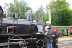 23.-Lokomotivet-faar-vand-i-Mariager-foto-Carsten-Lindby