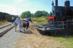 75.-Lokomotivet-drejes-i-Handest-foto-Carsen-Lindby