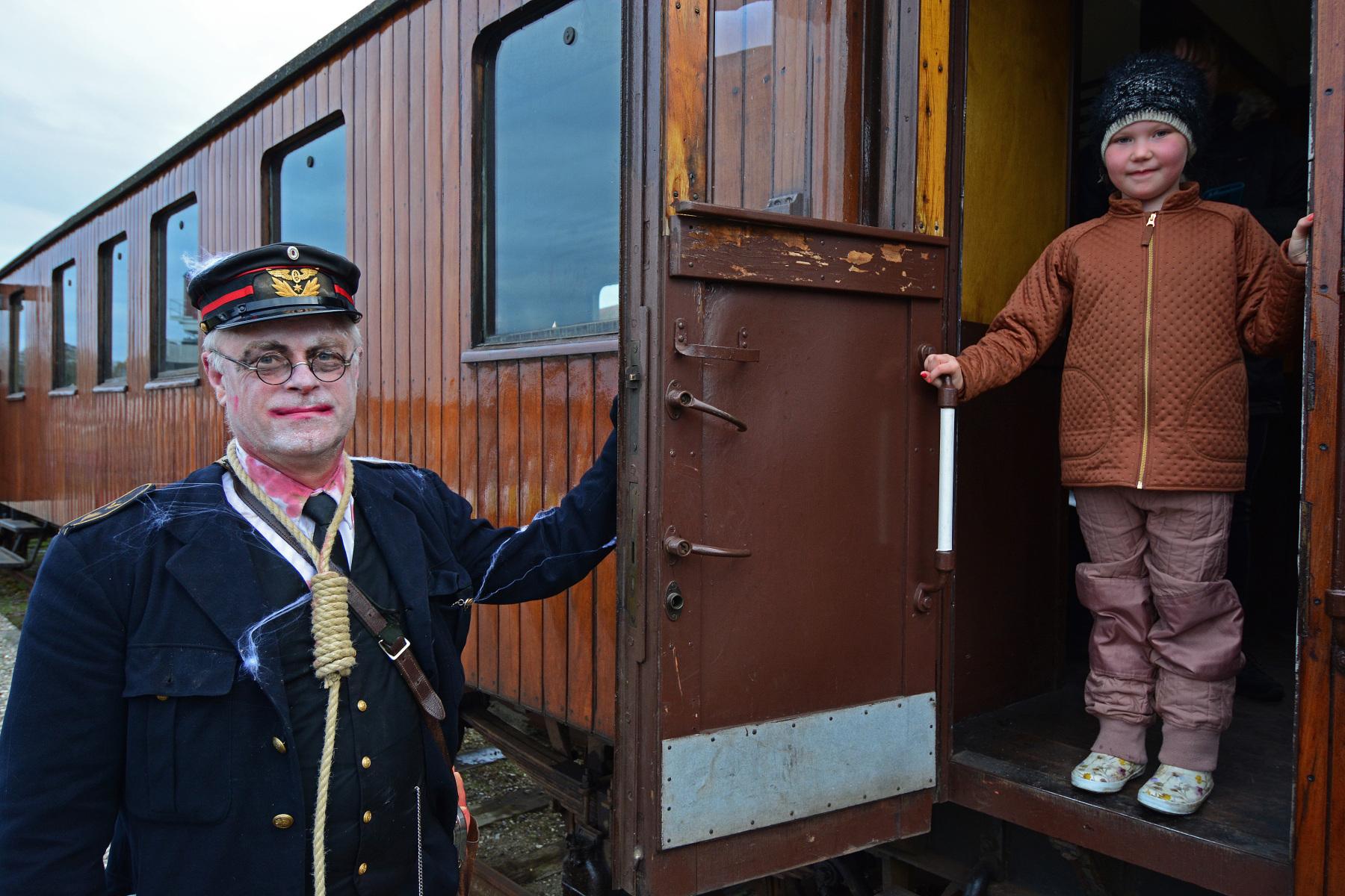 Afgang-for-Hallloween-toget.-Foto-AsgerChristiansen